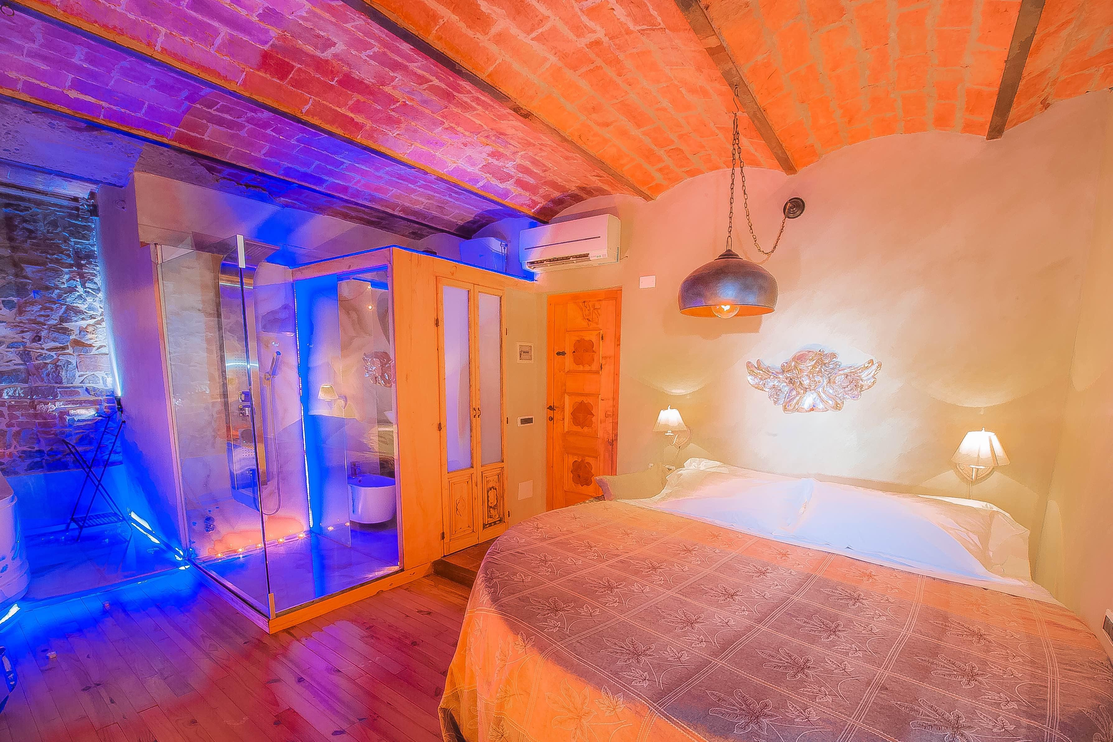super cella letto e bagno design (1 di 1)-squashed